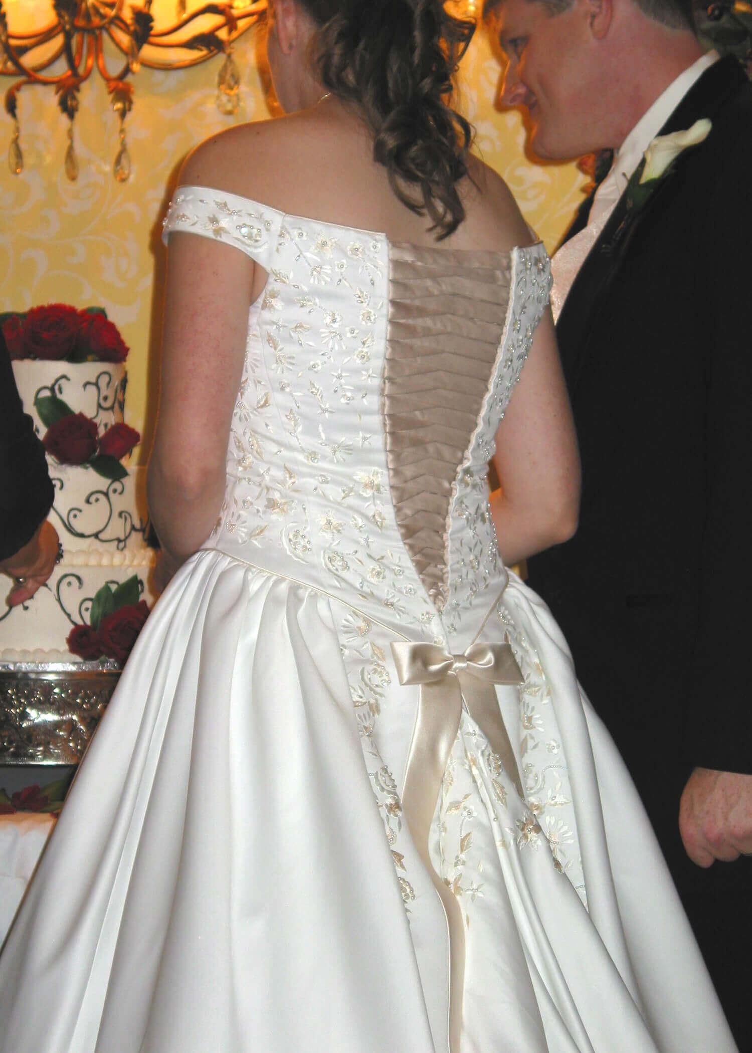 Wedding dress alterations by Rebecca Wendlandt: Back Lacing